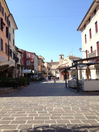 Hotel Plaza: piazza Malvezzi-Desenzano del Garda