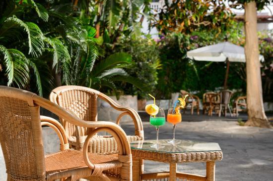 Hotel San Francesco: Inside garden