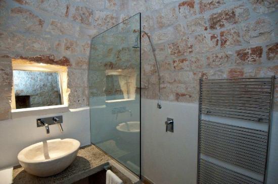 I nostri bagni: dettagli di stile - Foto di Piccoli's Trulli, Locorotondo - TripAdvisor