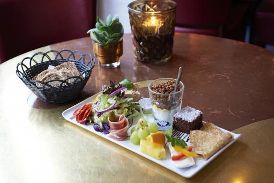 Cafe Ib Rene Cairo Gastropub