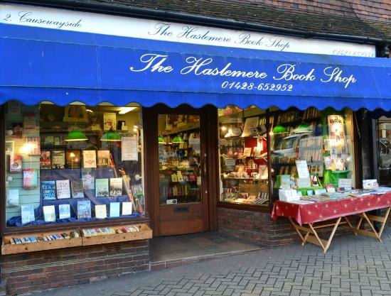 Haslemere, UK: Welcoming exterior.