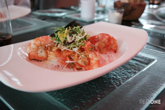 Ven Restaurant & Bar