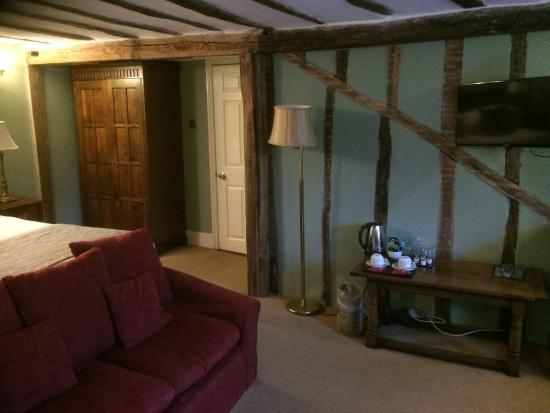 Brigands Inn: bedroom