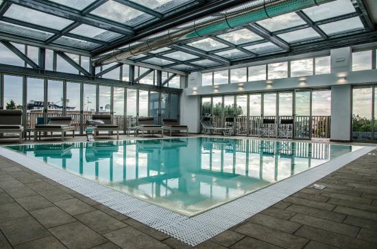 Piscina coperta riscaldata con pi di 12 tipologie di - Hotel con piscina coperta e riscaldata ...