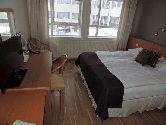 22 هيل هوتل: Room 210 very comfortable but no mountain view.