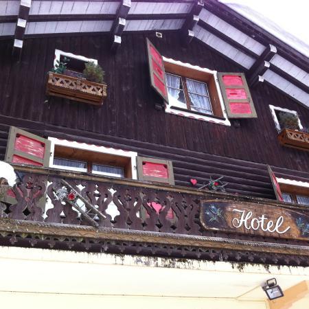 Le Bout du Lac : Façade de l'hôtel restaurant