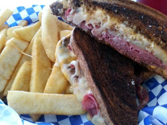 The Rock Inn Homestyle Cafe: Really good Ruben Sandwich