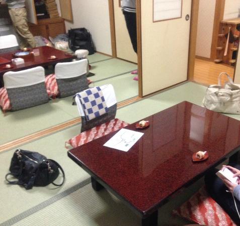 Hotel Yachiyo: 部屋の分かれたワンルーム。401