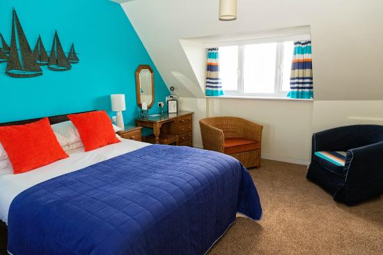 Mariners B&B: large sea facing double or twin room 2nd floor