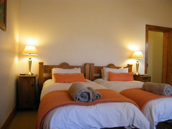 Angler and Antelope Guesthouse: Sunbird Room