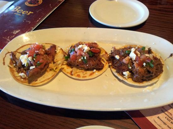 Carolina Ale House: 3 Pork Tacos