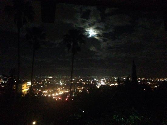 Oaxaca de noche vista desde el hotel victoria