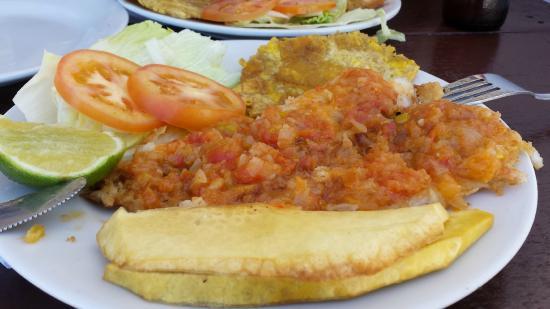 Restaurante El Paraiso : peixe frito a marineira