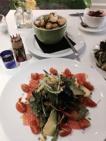 Star Bistro: Smoked salmon salad with warm new potatoes