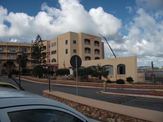 Paradise Bay Hotel - room photo 4932208