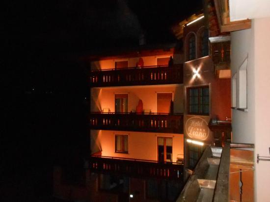 Hotel Diana: una visione notturna dell'hotel