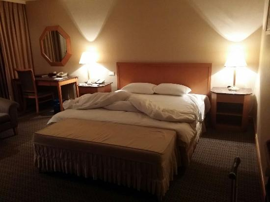 Chuto Plaza Hotel: Room is spacious