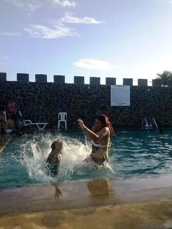 La Fortaleza Granada Resort : Piscina
