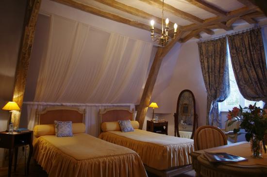 Domaine De Chatenay: Chambre Twin Privilège. Atmosphère apaisante.