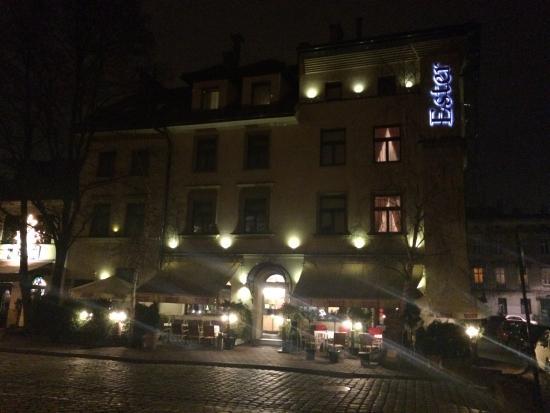 Hotel Ester: ...