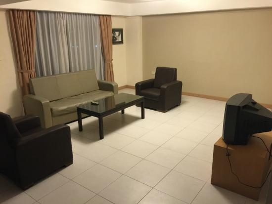 Mookai Suites: Living area