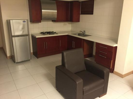 Mookai Suites: Kitchen area - no equipment