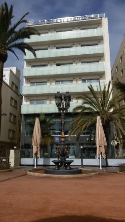 URH Hotel Excelsior: Frontansicht