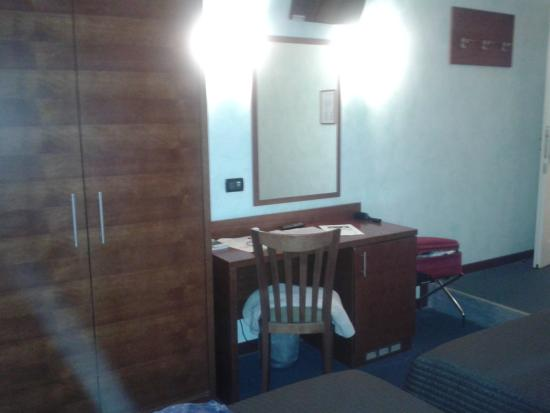 Osimar Hotel: Osimar Bedroom furniture