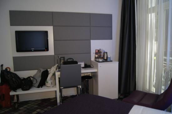 Kyriad Prestige Dijon Centre: habitación cómoda