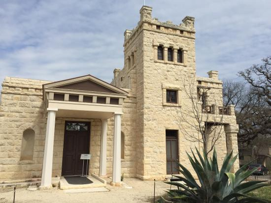 Elisabet Ney Museum: The front of the Formosa