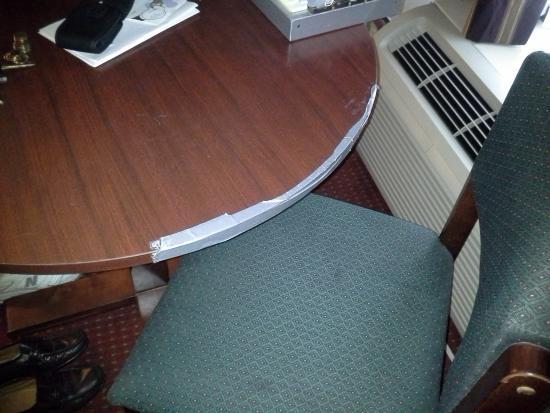 Sebring, FL: Furniture duct taped together