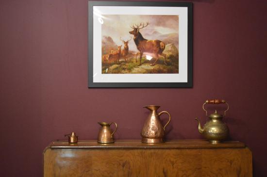 The Lochailort Inn : Antiques