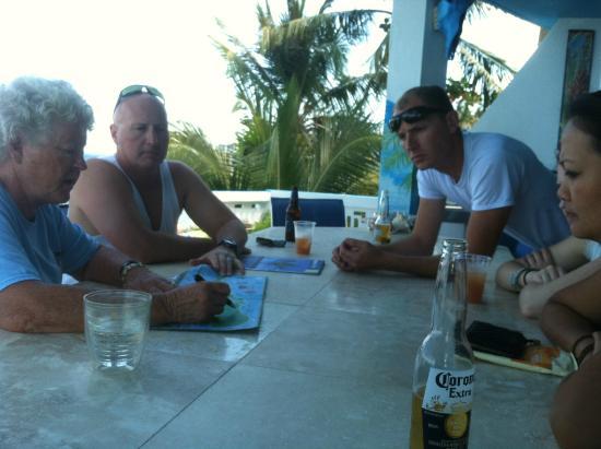 Casa La Lanchita: checking in & having a rum punch