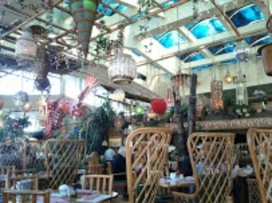 Jardin tiki montr al parc olympique et hochelaga for Restaurant jardin montreal