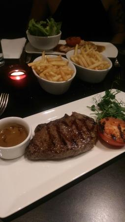 City Cafe: steak
