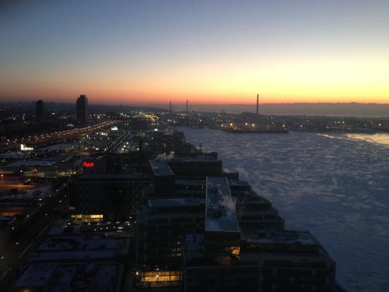 My room on the 35th floor picture of the westin harbour for 1 harbour square 38th floor toronto on m5j 1a6