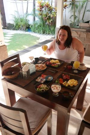 Maya Sayang: Breakfast is served, Villa Dadap
