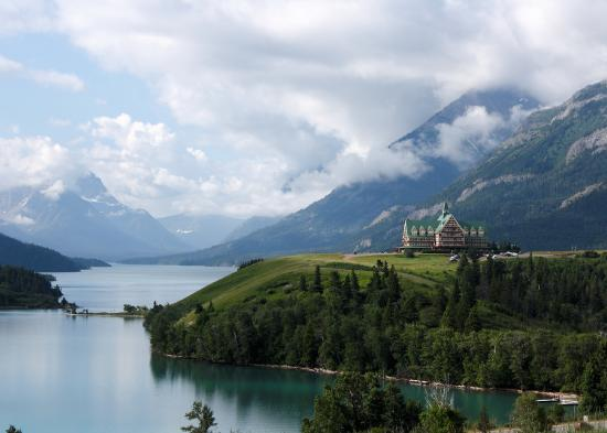 Upper Waterton Lake : Prince of Wales Hotel