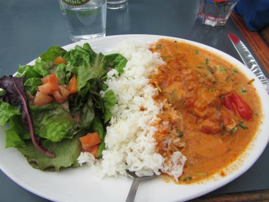 Neide's Salsa and Samba: If you like Indian food, try the muqueca at Neide's