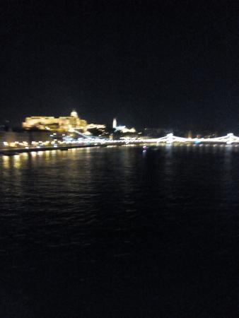 Hotel Elit: vista dal Danubio