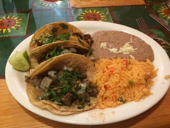 Taqueria El Sol: Taco Dinner was very yummy!!