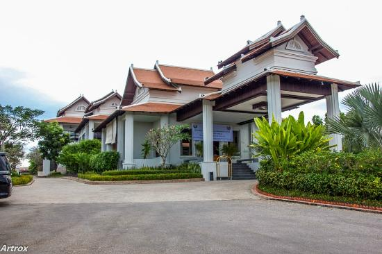 view from poolside picture of luang prabang view hotel luang prabang tripadvisor. Black Bedroom Furniture Sets. Home Design Ideas