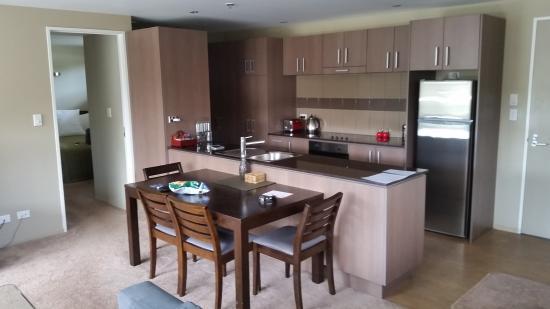 Edgewater Palms Apartments : Kitchen