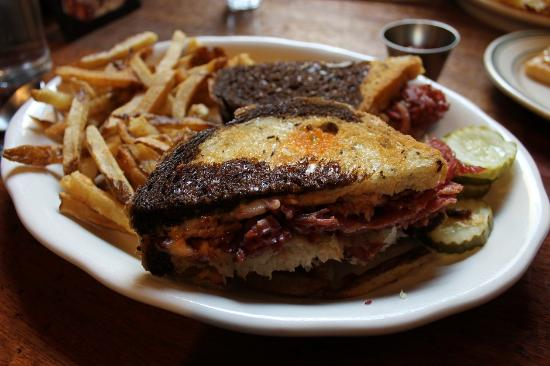 Ted's Bulletin: Rueben with fries