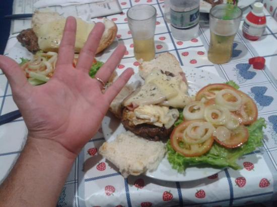 Restaurante & Lanchonete do Nonô: diâmetro da minha mão é 29cm