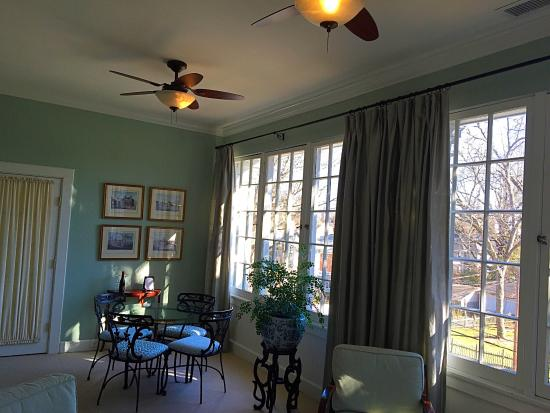 The King's Daughters Inn: Another view of the sun room in the Trinity Suite
