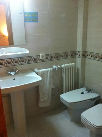 Hotel Condal: banheiro