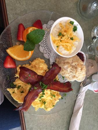 Wildflower Cafe : The cheese grits special with the biscuit and honey butter. The bacon was yummy