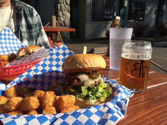 Big Belly Burger Deli: Big Belly Burger & Brew (#9 Jalapeno Bacon Jack)