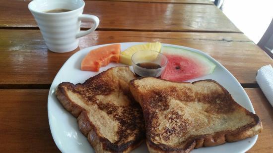Hotel Mimos: Tostadas francesas - breakfast. OK option